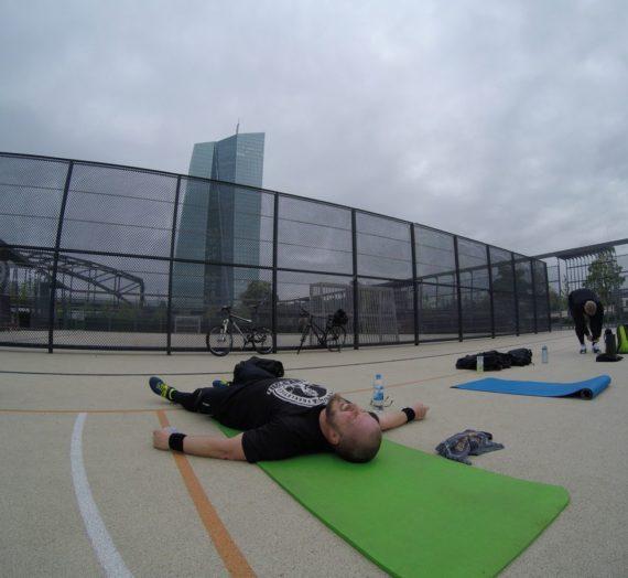 Die Woche im Kurzüberblick. Run – Workout – Run.